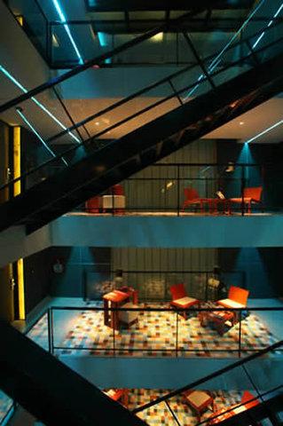 Be Hotel - Lobby