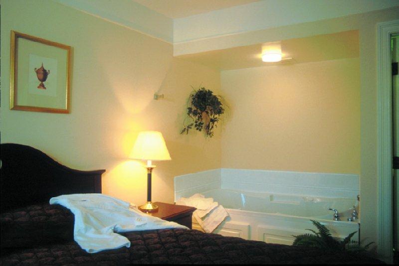 Imperial Swan Hotel - Lakeland, FL
