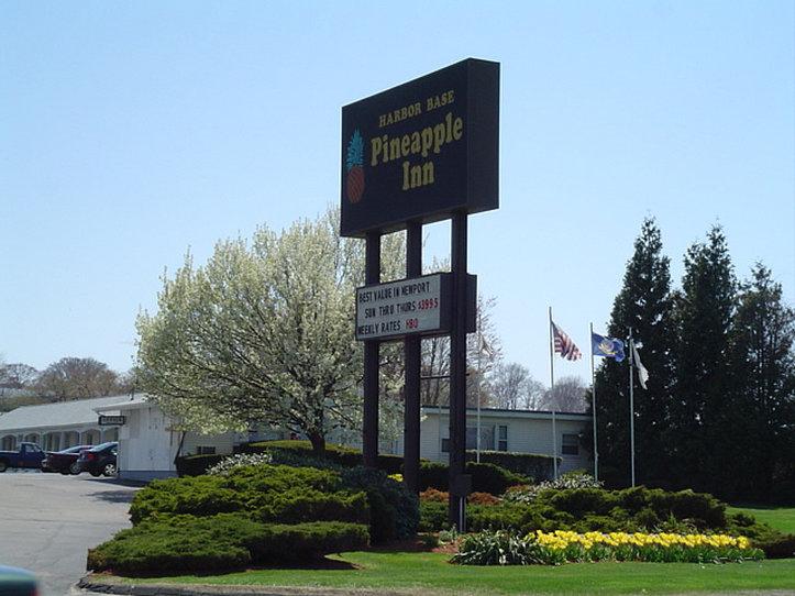 Pineapple Inn - Newport, RI