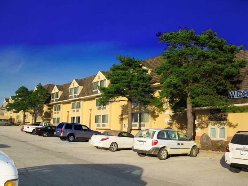 Valley West Inn - West Des Moines, IA