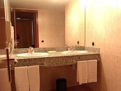 Hotel Cervol - Bathroom