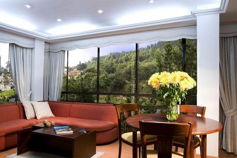 Santa Monica Hotel - Lobby