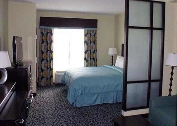 Comfort Suites - Tampa, FL