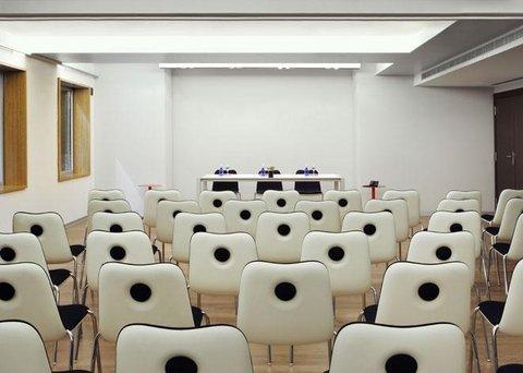 Ayre Gran Via - Meeting Room