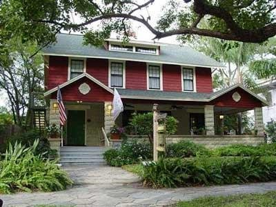 Dickens House Bed and Breakfast - St. Petersburg, FL