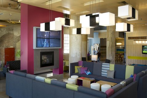 Aloft Dallas Downtown Hotel - Re mix SM  lounge