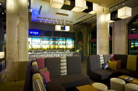 Aloft Dallas Downtown Hotel - Re mix SM  lounge  W XYZ SM  bar