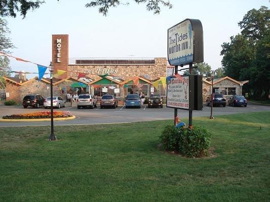 Tides Motor Inn - Locust Valley, NY