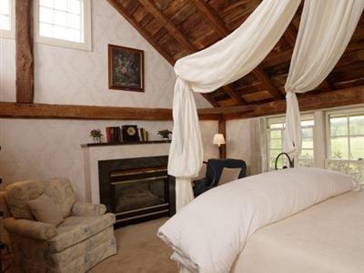 The Inn At The Round Barn Farm - Waitsfield, VT