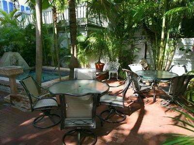 Artist House Key West - Breakfast Area