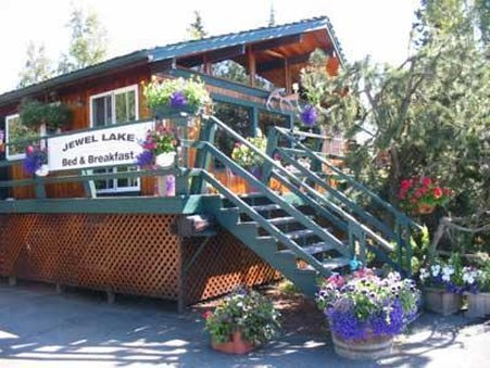 Jewel Lake Bed and Breakfast - Exterior Porch