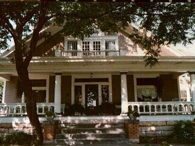 Iron Horse Inn - Exterior