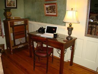 Breeden Inn Cottages - Interior -OpenTravel Alliance - Lobby View-