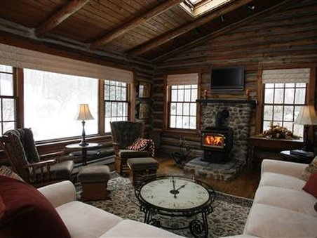 Canandaigua Bed And Breakfast Log Cabin