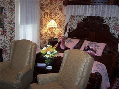 Alling House Bed & Breakfast - Orange City, FL
