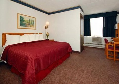 Quality Inn And Suites - Green Bay, WI