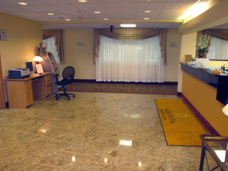 La Quinta Inn & Suites Bolingbrook - Bolingbrook, IL