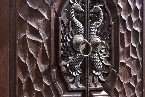 بانيان تري أونغاسان - Indonesian Wood Carving
