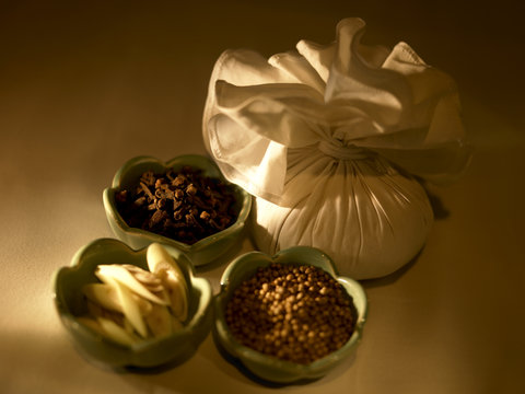 悦榕度假酒店 - Royal Banyan Treatment Ingredients