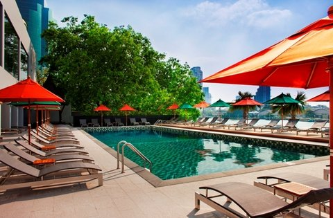 Royal Orchid Sheraton Hotel & Towers - Terrace Pool