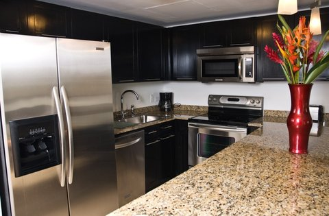 Las Terrazas Resort and Residences - Kitchen