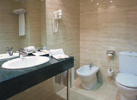 Hotel Exe Parc del Vallés - Bathroom
