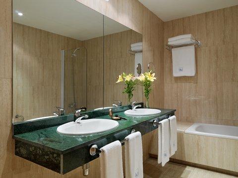 Eurostars Tartessos - Bathroom