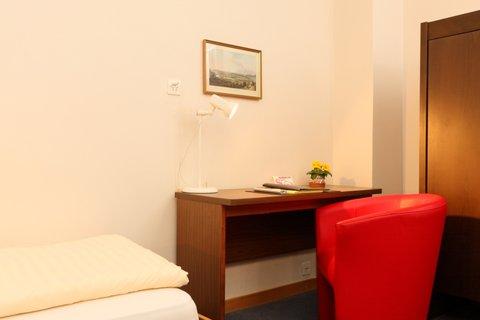 Metropole Swiss Quality Hotel - Standard single room