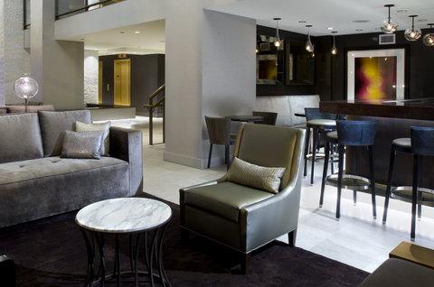 Hotel Felix Chicago - Lobby Bar at Hotel Felix