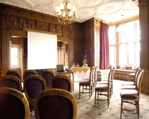 Inglewood Manor - Meeting Room