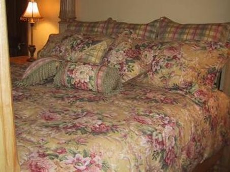 Foxtrot Bed And Breakfast - Guest Room