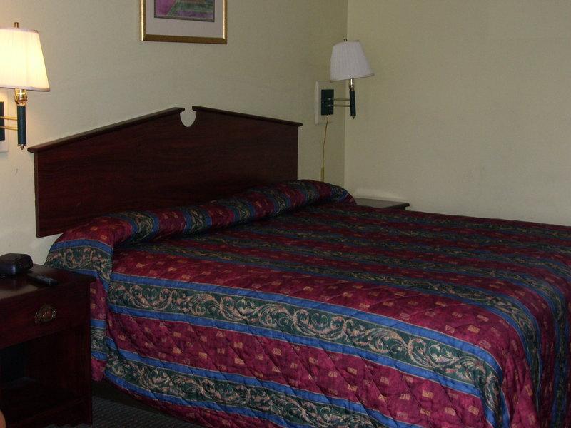 Americas Best Value Inn - Greenwood, SC