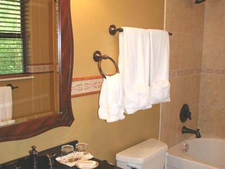 Foxtrot Bed And Breakfast - Guest Room Bath