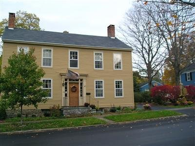 1805 Phinney House - Exterior