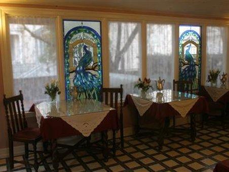 Cedar Gables Inn - Interior Dinning Room