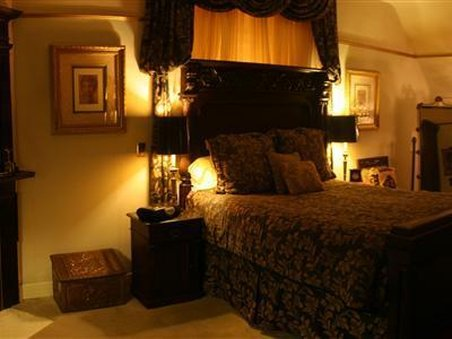 Cedar Gables Inn - Guest Room