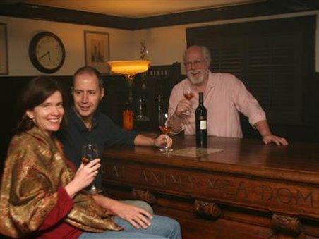 Cedar Gables Inn - Interior Lounge-bar