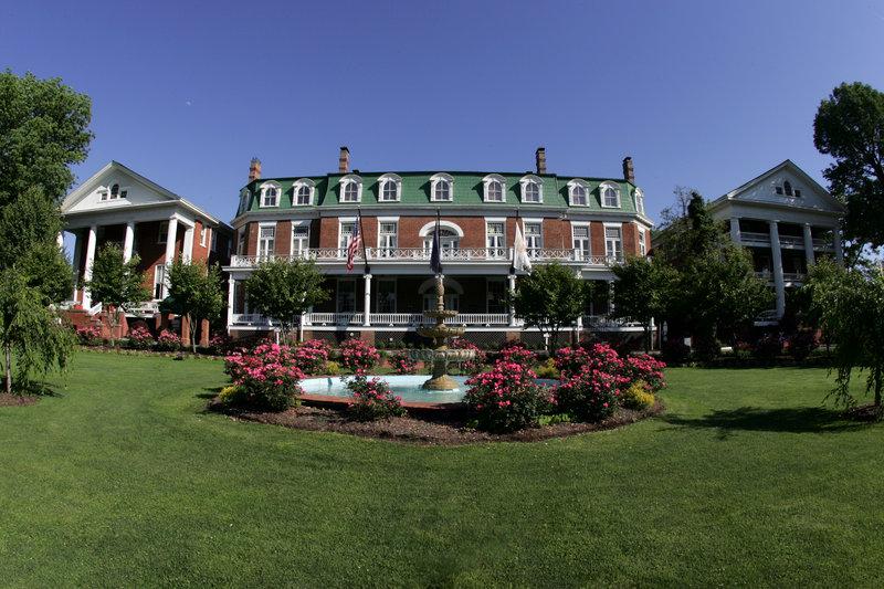 THE MARTHA WASHINGTON HOTEL