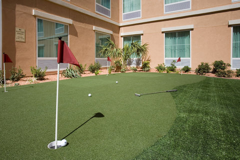 Homewood Suites by Hilton El Paso Airport - Putting Green
