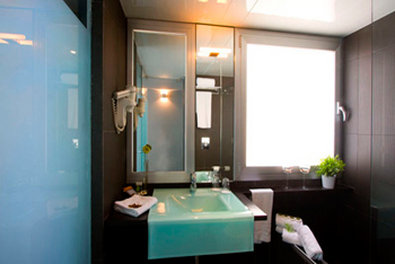 Hotel 54 Barceloneta - Guest Bathroom