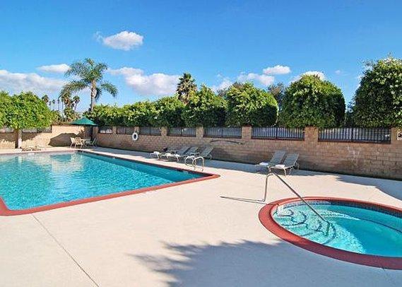 Quality Inn & Suites - Artesia, CA