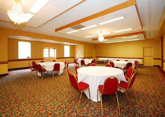 Econo Lodge-Conference Ctr - New Haven, CT