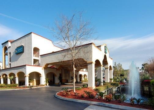 Quailty Inn & Suites Baymeadows