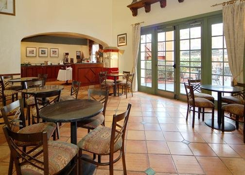 Quailty Inn & Suites Baymeadows - Jacksonville, FL