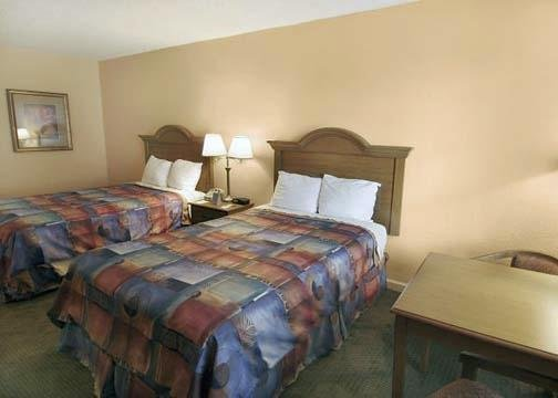 Econo Lodge Inn & Suites International Dr - Orlando, FL