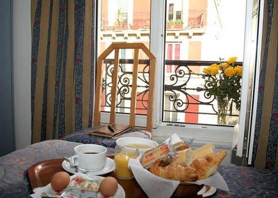 Comfort Hotel Lamarck Gastronomie