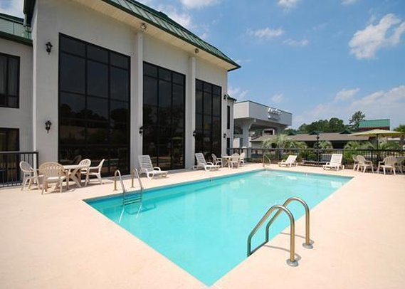 Motel 6 Savannah Midtown - Savannah, GA
