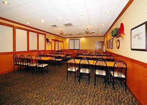 Quality Inn Winona - Winona, MN