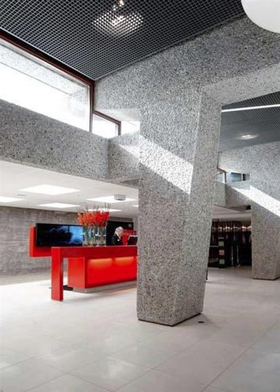 Quality Hotel 33 Lobby