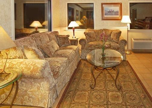 Quality Inn Trailside Inn Lobby